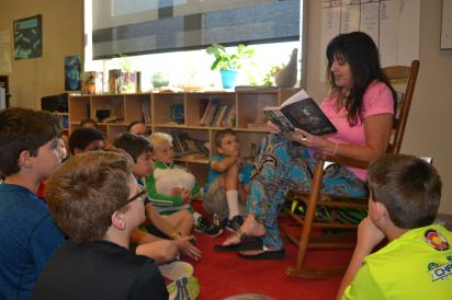 reading to kids at summerfield